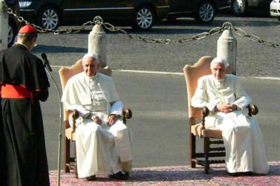 http://www.unavox.it/NuoveImmagini/Papa_Francesco/Due_papi/Due_papi_giardini_vaticani_luglio_2013.jpg